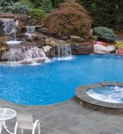 Choosing the Right Swimming Pool Installation for Your Home